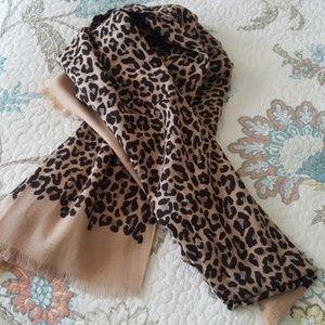 Stella and Dot Park Slope Scarf Exotic Leopard